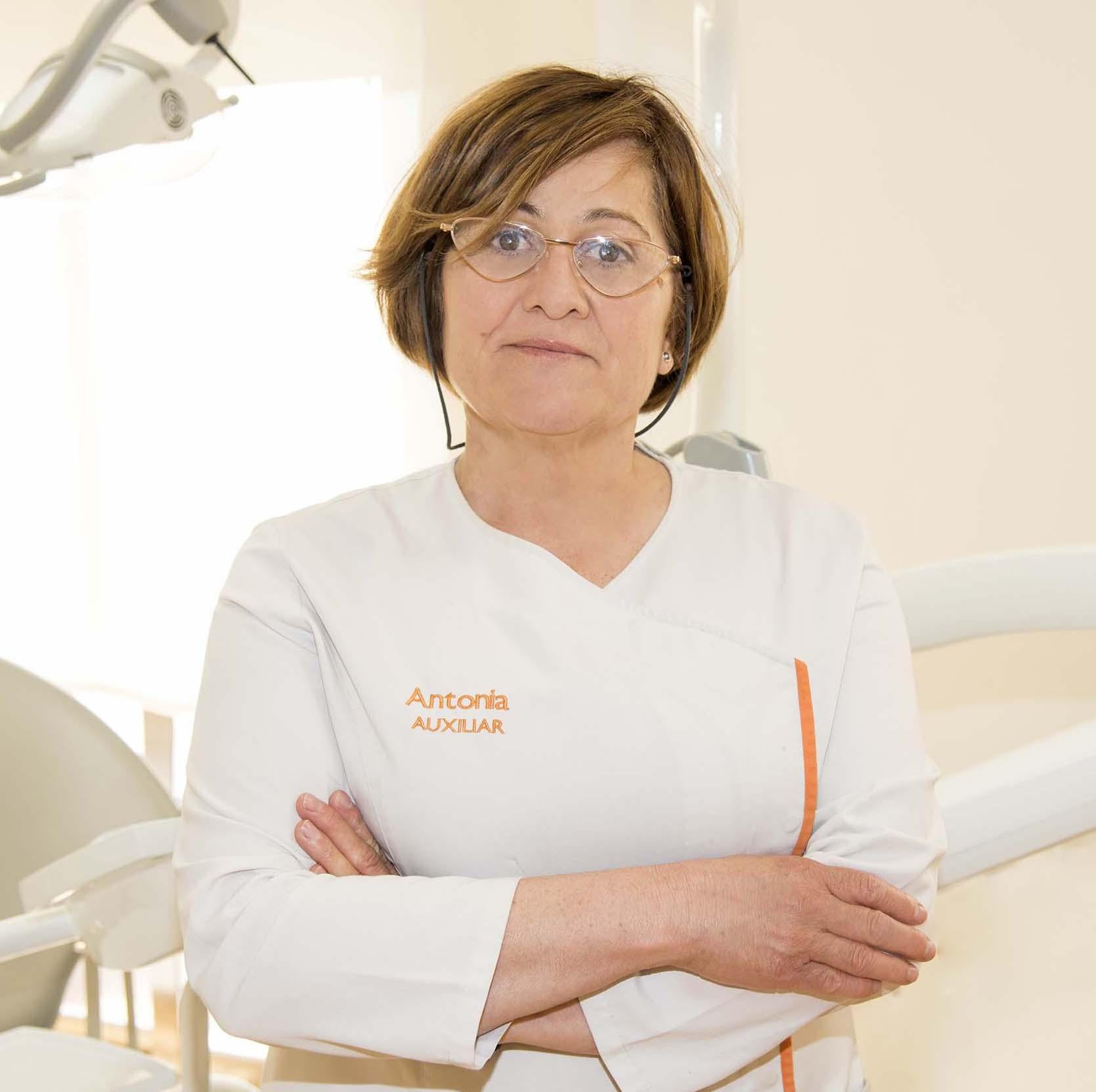 Ortodoncista Baza - Antonia Ruíz