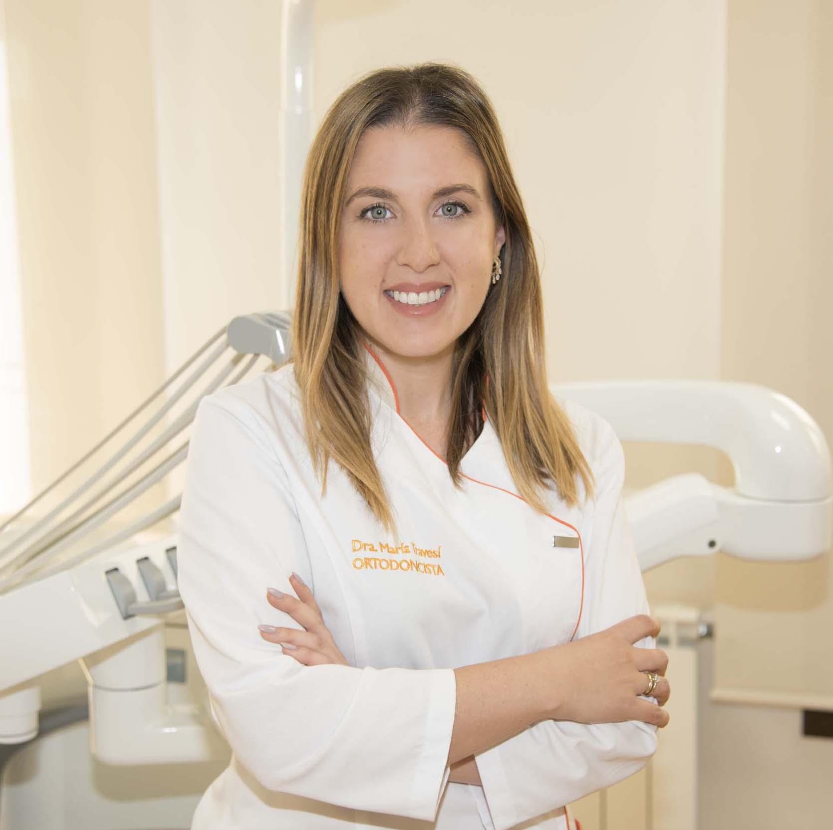 Ortodoncista Baza - Dra. María Travesí